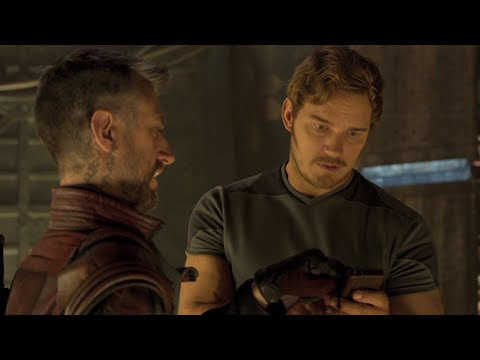 EXCLUSIVE: Chris Pratt Learns How to Work a Zune in