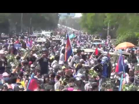 Tens of thousands of workers in front of the Ministry of Labour 27 12 2013  Video News