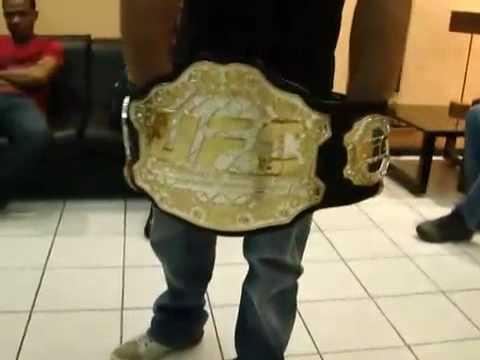 Anderson Silva: cinturão do UFC em detalhes