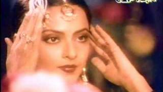 Asha Bhosle singing DIL CHEEZ  KYA HAI.
