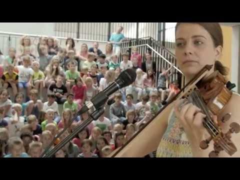Musik, Sprache, Teilhabe - Veronika Eberle musiziert an Musikalischer Grundschule
