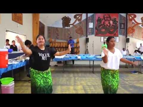 Kiribati - Marakei abau bwa te kan - Betaera Girls 15May18