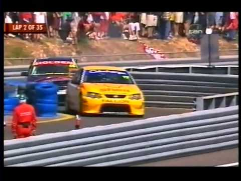 2003 V8 Supercar Championship: Round 6 - Race 2 [1/4]