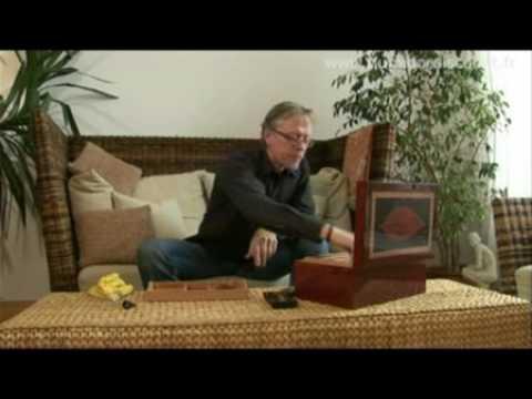 fr humidificateur adorini cigares cave humidor guide vid o youtube. Black Bedroom Furniture Sets. Home Design Ideas