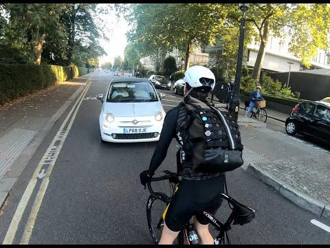 Gandalf Corner again scolded by 3 cyclists LP68OJE