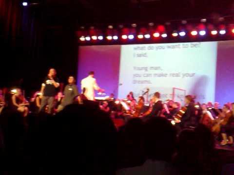 """Village People - YMCA"" @ Orchester Karaoke Kampnagel Hamburg 29/08/09"