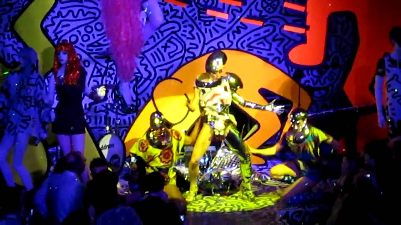 Performance Keith Haring By Patricia Field Paradise