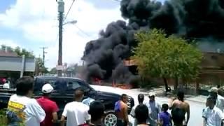 MATAMOROS TAMAULIPAS.- EXPLOSION CAUSADA POR CAMIONETA DE GASOLINA PIRATA 12/07/13