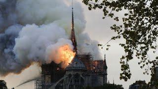 لحظة انهيار كاتدرائية نوتردام بباريس.. «مشاهد صادمة» | المصري اليوم