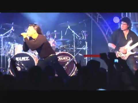 Saratoga - Las Puertas del Cielo [LIVE] en el DVD Revelaciones de la Noche