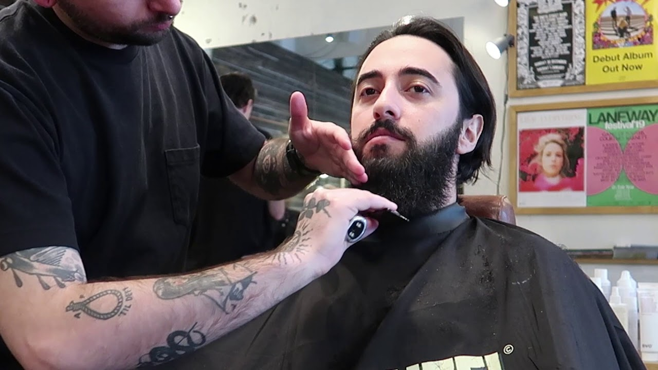 Getting my 2 year beard trimmed | Long beard barber trim