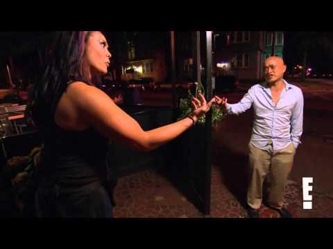 Total divas duke it out in crazy bar fight youtube - Diva giugliano bar ...