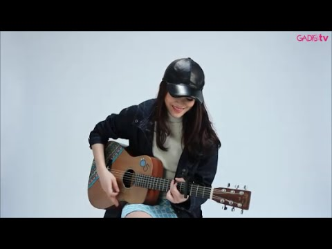 Sheryl Sheinafia - Ku Tunggu Kau Putus (Live at GADISmagz)