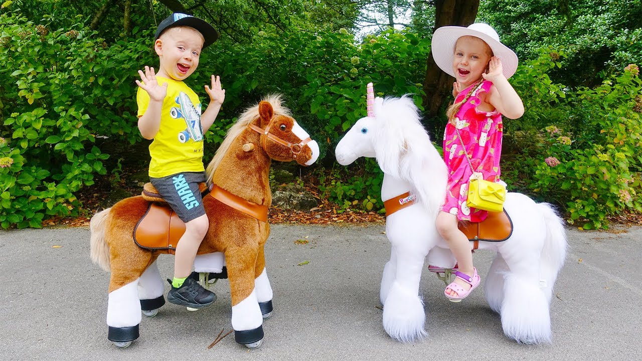 Gaby and Alex Play with Ride on Horse Toys