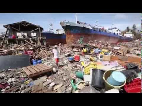 *WARNIG* GRAPHIC - Super Typhoon Haiyan: '10,000 Could Be Dead'