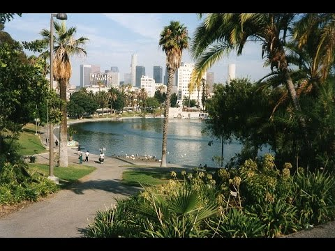 Los Angeles: History, Geography, Automobile Culture, Sports, Movies, Architecture (1997)