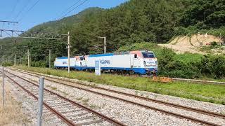 얼마뒤 사라질 죽령역을 지나가는 열차들.