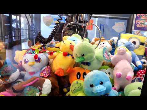 CLAWING LIKE RABBITS - Claw Machine Winning! Skill Crane Grabber Game Wins FREEZE NEN