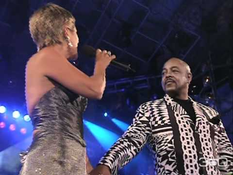 A Whole New World (Live) - Peabo Bryson & Andrea Tessa [Viña del Mar 2001]
