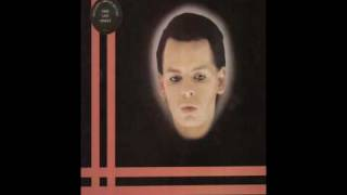 Watch Gary Numan Remind Me To Smile video