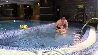 Уроки плавания для грудничков. Условия для обучения плаванию