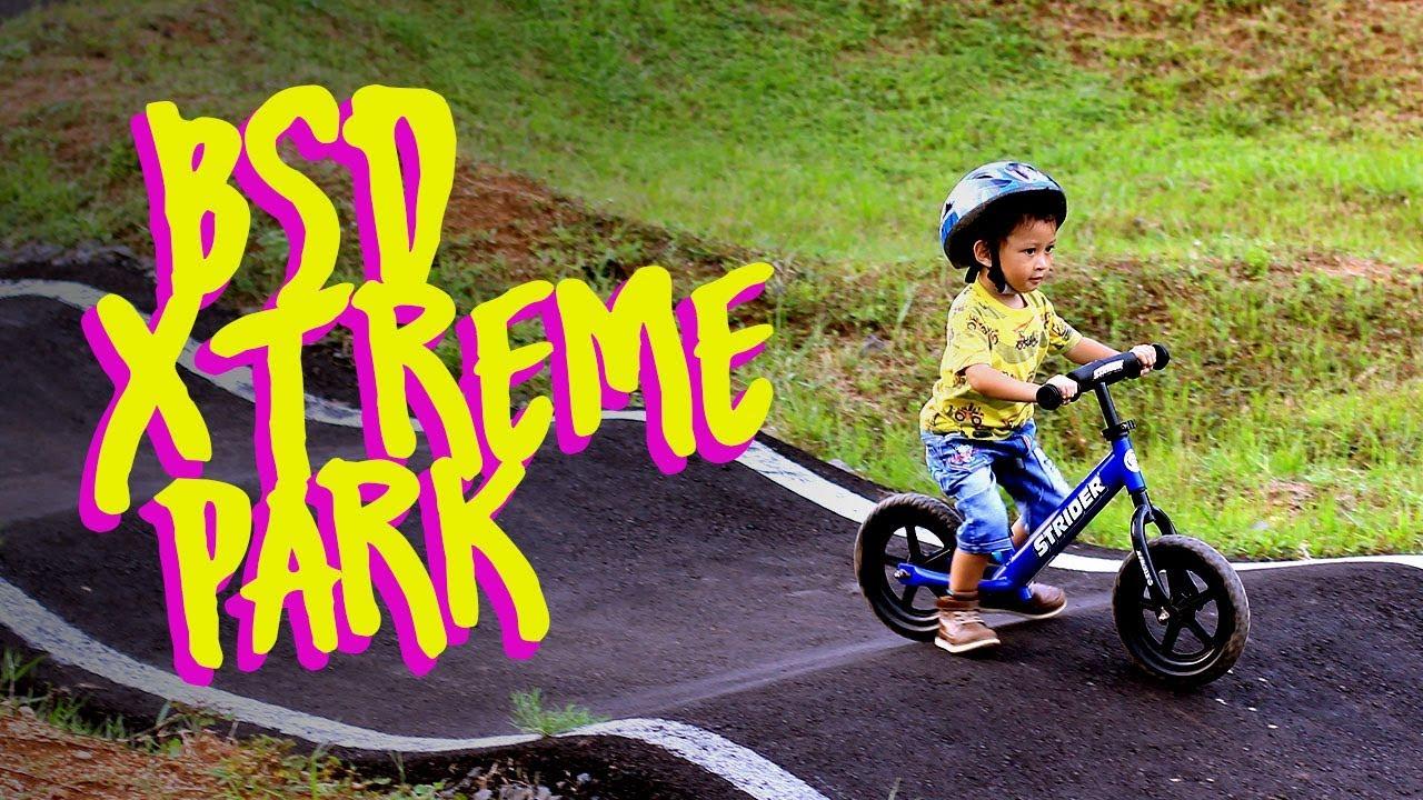 Bermain Strider Push Bike di Track Sepeda BSD Extreme Park