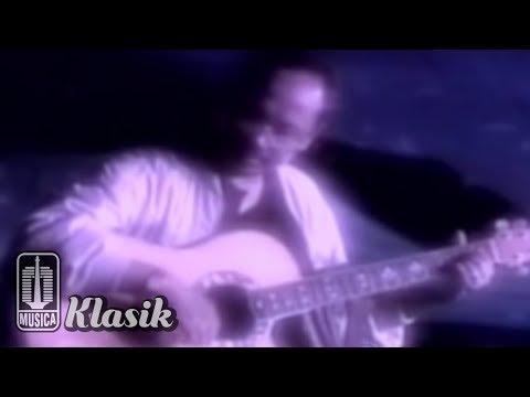Ebiet G Ade - Aku Ingin Pulang (Karaoke Video)