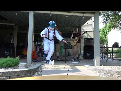 Rocket Man [Elton John cover] LIVE 06/09/2018