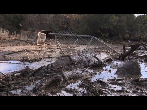 California mudslides demolish homes, killing at least 13 (2)