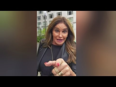 Caitlyn Jenner uses womens bathroom at Donald Trump