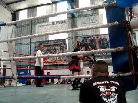 Belen Blanco Demente Team Club de la pelea 1er round