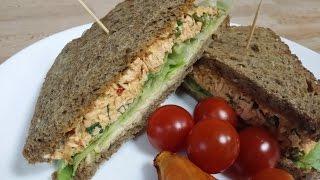 Spicy salmon salad sandwichسندويش سلطة السالمون