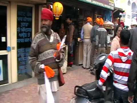 amritsar centre on sunday, full of life