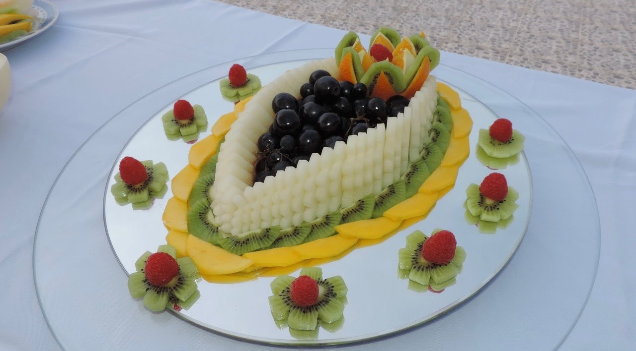 How to decorate a fruit centre sliced by j pereira a - How to slice strawberries for decoration ...