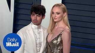 Joe Jonas and Sophie Turner are a power couple at Oscars party