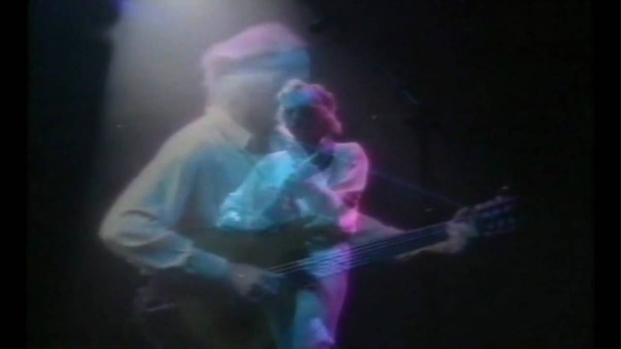 Dire Straits - Private Investigations [Nimes -92 ~ HD]youtube.com