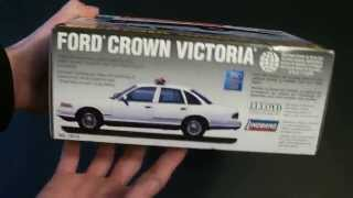 Lindberg 1997 Ford Crown Victoria Unmarked Police Car Review.