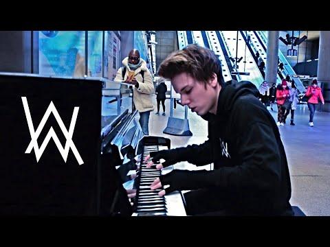 alan-walker---faded-public-piano-performance