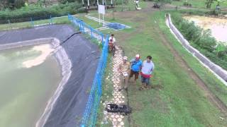 Kepala Desa Wlahar Wetan dilatih penggunaan dasar Drone oleh Bukapeta.com