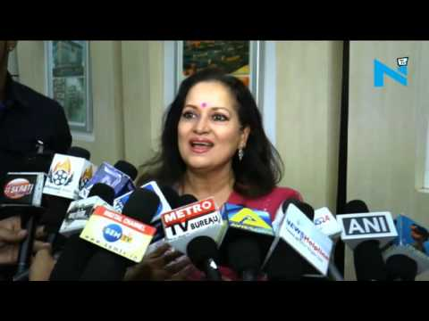 Was surprisingly glad to see 100 rupee note in wallet: Himani Shivpuri