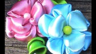 Flor de fitas com 9 pétalas