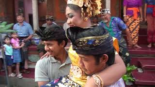 Download Video Upacara Ngeraja Swala Ida Ayu Putu Putri Anjani Creat Tuaji they MP3 3GP MP4