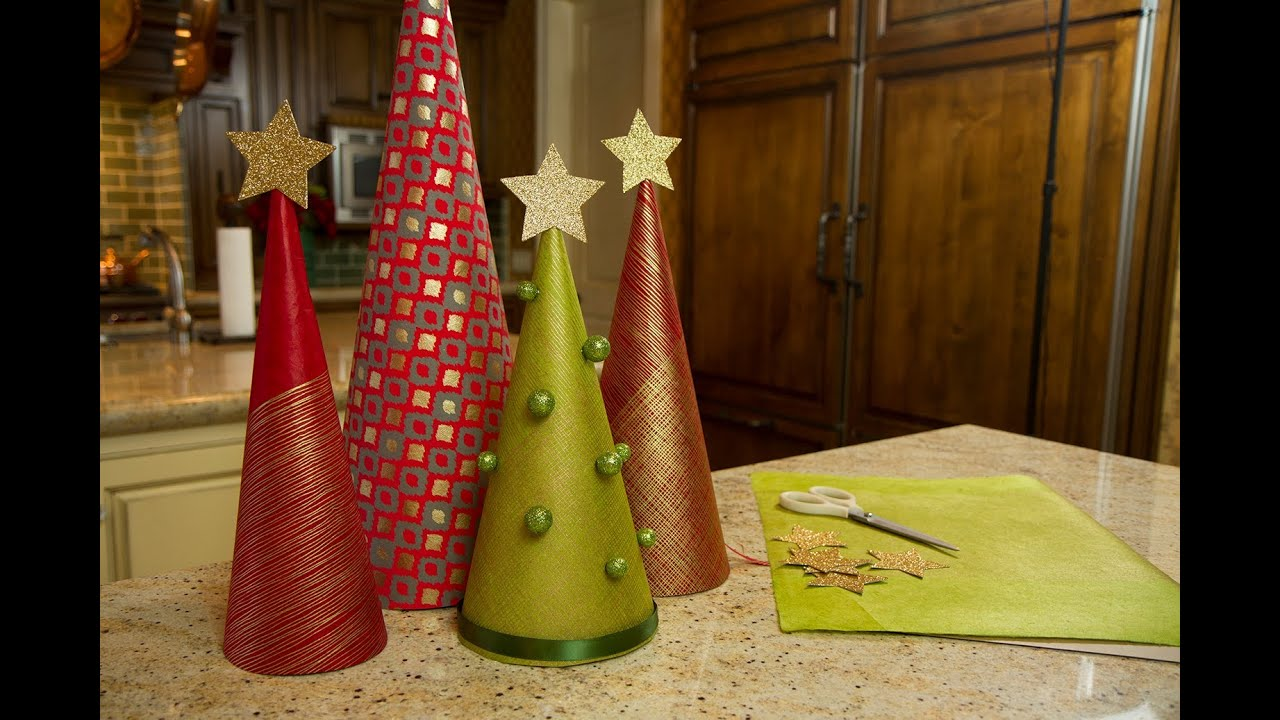 Wrapping paper christmas trees let 39 s craft with - Bricolage decoration a faire soi meme ...