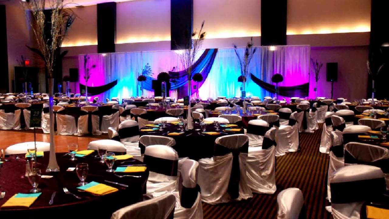 Wedding decor by wedding finesse inc at metropolitan centre in wedding decor by wedding finesse inc at metropolitan centre in calgary junglespirit Images