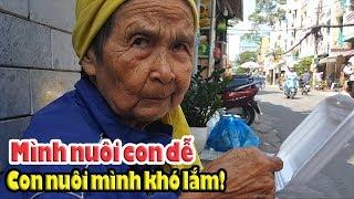 """Cô bán vé số """"Khó chịu"""" khi thấy Bà lão 81 lượm ve chai ở Sài Gòn được cho tiền"""