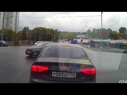 Придурки на дорогах, приколы на дороге 2018 3