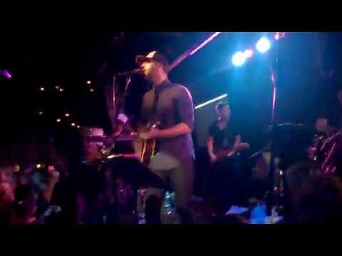 Гриша Ургант - Усы и гитары (3.04.2015)