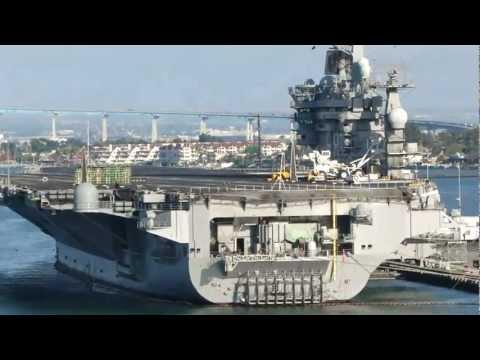 [HD] Tàu sân bay USS Abraham Lincoln và  USS Nimitz  tại căn cứ San Diego