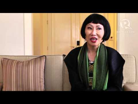 A comparison of the personal essay mother tongue and the novel the joy luck cluby by amy tan