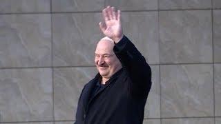 Лукашенко проводил президента Кубы в аэропорт